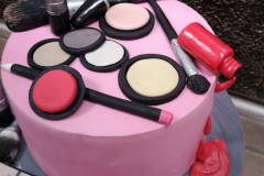 Millie-Mae - Make Up Birthday Cake
