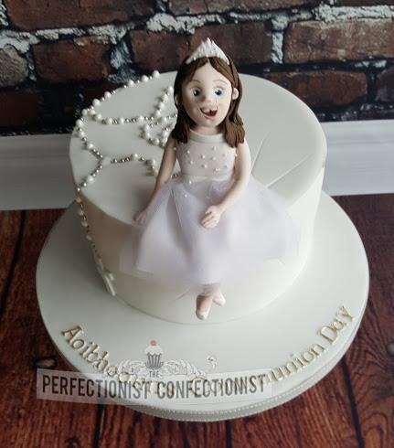 Aoibheann - Communion Cake