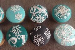 Snowflake cake lace cupcakes