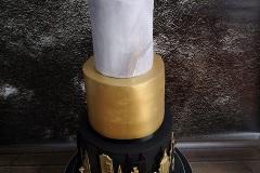 Ciara & Gavin - New York Skyline Wedding Cake