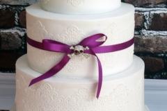 Pretty in White - Wedding Cake